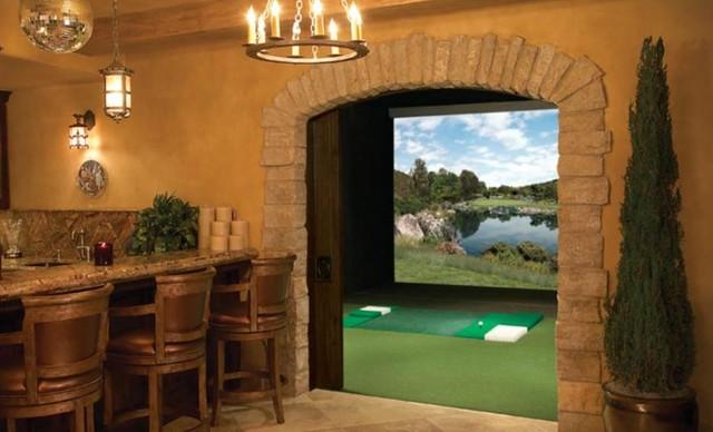 Full Swing in Southland Golf